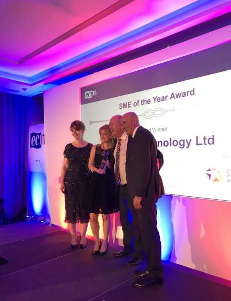 Glen Lancaster and Angela Bedford of Thyson Technology Ltd. collect SME of the Year 2017 at the ECITB Training and Development Awards